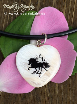 Necklace Icelandic horse, heart