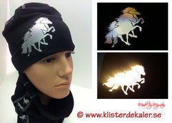 Hat with reflective Icelandic horses