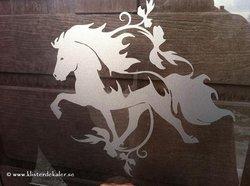Enkel Islandshäst 24 med snygg dekor 2